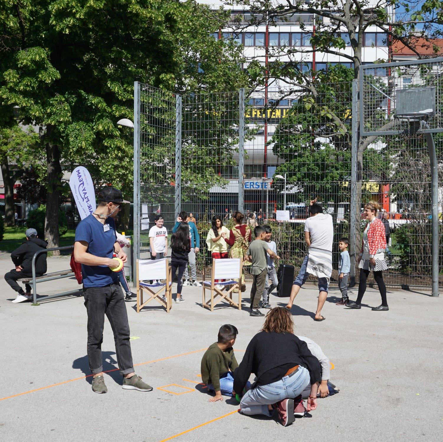 Treffen Im öffentlichen Raum